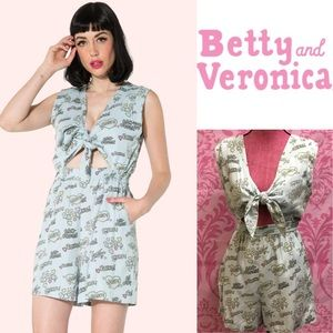 Betty and Veronica kissing sounds romper